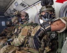Full Of Weapons: USAF Combat Controllers