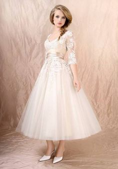 bridal tea length wedding dresses, not sure where to get it from, but its beautiful