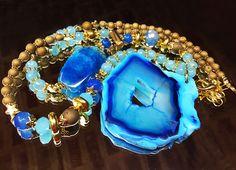 Collar Agata azul con cuentas de ágatas doradas mates