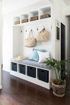 Let these mudroom entryway ideas welcome you home. Instantly tidy up and organize your hallway or entryway with industrial mudroom entryway. Small Entryways, Small Hallways, Small Rooms, Small Apartments, Small Spaces, Small Apartment Entryway, Modern Entryway, Entryway Decor, Entryway Ideas