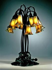 Decorative Lamp. Pond Lily design - Louis Comfort Tiffany Lampe Art Deco, Art Deco Lamps, Louis Comfort Tiffany, Lampe Decoration, Standard Lamps, Stained Glass Lamps, Lily Pond, Tiffany Lamps, Unique Lamps