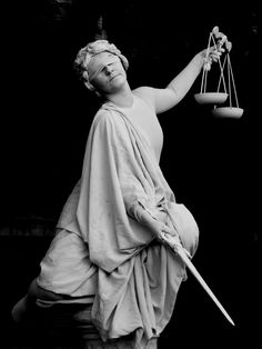 A French lady takes on the persona of lady justice at the Living Statue contest in Arnhem. Lady Justice Statue, Justice Logo, Death Note Light, Living Statue, The Devil's Advocate, Roman Sculpture, Justice Clothing, Biblical Art, Architecture Old