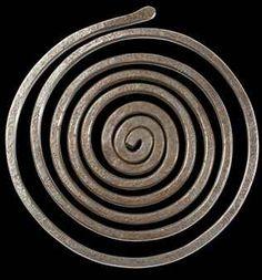 workman:salonduthe: Belt Buckle   Alexander Calder. Brass wire. 1945.