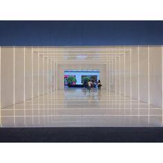 Sueño de ti.  .  .  .  .  .  📸Luis Zamora  [20180317]  #architecture #sordomadaleno #antara #cubierta #mesh #design #architecturalphotography #vsco #vscocam #vscogram #sinfiltro #nofilter #mexico #cdmx #mextagram #archigram #lights #naturallight #bnw #blackandwhite #blackandwhitephotography Antara, Black And White Photography, Natural Light, Vsco, Commercial, Lights, Architecture, Design, Black White Photography