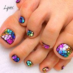 20 Adorable Toe Nail Art Inspirations – My hair and beauty Pretty Toe Nails, Cute Toe Nails, Pretty Toes, Fancy Nails, Pedicure Designs, Pedicure Nail Art, Toe Nail Designs, Manicure And Pedicure, Pedicures