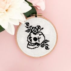 Cross Stitch Tattoo, Cross Stitch Rose, Modern Cross Stitch, Cross Stitch Patterns, Cross Stitch Skull, Wooden Embroidery Hoops, Embroidery Stitches, Embroidery Designs, Snitches Get Stitches