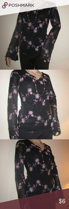 Wrapper Floral Embroidered Long sleeve Blouse Wrapper Floral Embroidered   Long sleeve Blouse  Floral shirt  Size large  Made in USA  Sleeve length 24 inches  V- neck Wrapper Tops Blouses