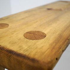 Vanhan mallin mukaan tehdyt Tuomaala penkit ja jakkarat Suomalaisesta vanhasta männystä.Laatikkokauppa, sisustuskauppa netissä