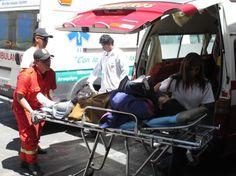 """AREQUIPA. Couster de la línea """"C"""" de Monterrey ocasiona triple choque en Bustamante y Rivero http://hbanoticias.com/8974"""