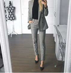 Check office fashion women work outfits business casual, edgy office fashion business attire, office fashion business womens, office outfits women business boss lady, work attire women the office youn Casual Work Outfits, Mode Outfits, Work Casual, Women's Casual, Office Wear Women Work Outfits, Outfit Office, Summer Outfits, Formal Outfits, Work Outfit 2018