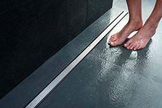 Vi piacciono i bagni minimal e moderni? Allora la DOCCIA FILO PAVIMENTO fa al caso vostro! http://www.arredamento.it/doccia-filo-pavimento.asp #doccia #bagno #bagnomoderno Geberit
