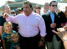 In an angry moment caught on video, Gov. Chris Christie let loose on an identified critic on the Seaside Heights boardwalk Thursday night — gesturing with one hand as he held an ice cream cone in the other.