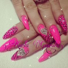 I don't like the pointy nails but I like the design