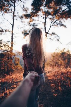Couple Photography, Photography Poses, Photo Main, Foto Cowgirl, Image Couple, Long Distance Love, Hand Photo, Foto Casual, Love Images