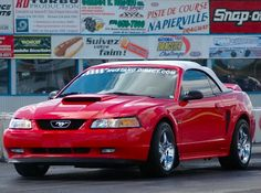 2000 Ford mustang red color