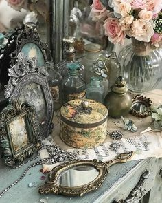 Modern Princess, Princess Aesthetic, Vintage Princess, Picture Writing Prompts, Romantic Homes, Decoration, Aesthetic Vintage, Vintage Items, Bedroom Decor