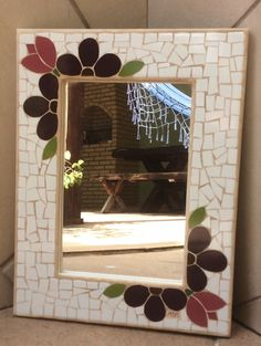 Stained Glass Mirror, Mirror Mosaic, Mosaic Glass, Mosaic Crafts, Mosaic Projects, Mosaic Ideas, Mosaic Garden Art, Mosaic Art, Sunburst Mirror