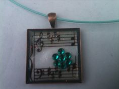 DIY music note and Rhinestone pendant necklace. Easy craft. #teen craft. #music craft