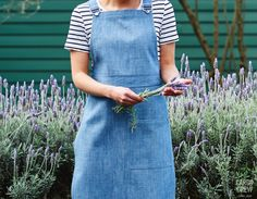 Denim is a beautiful material for aprons, being hard wearing & moulding to the wearer's shape & movement over time. Explore Cargo Crew's range of denim aprons. Denim Aprons, Gardening Apron, Apron Designs, Blue Apron, Moulding, Uni, Work Wear, Fashion Forward, Range