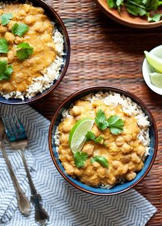 Slow Cooker Pumpkin Red Lentil and Chickpea Curry recipe - Creamy hearty and…