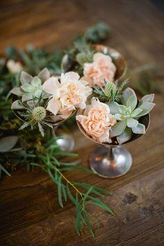 Tiny succulents table decor arrangements.