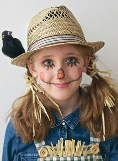 Simple Halloween Make-up for Kids Simple Halloween costumes for kids. Easy Halloween make up for kids. Fun Halloween make up for kids. Scarecrow Halloween Makeup, Halloween Costumes Scarecrow, Halloween Scarecrow, Diy Halloween Costumes For Kids, Halloween Makeup Looks, Scary Halloween, Halloween Recipe, Women Halloween, Halloween Stuff
