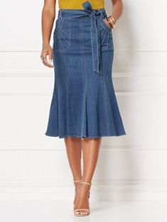 Claudine Denim Skirt - Eva Mendes Collection - New York & Company Jean Skirt Outfits, Casual Skirt Outfits, Denim Skirts, Eva Mendes Collection, Denim Ideas, Jeans Rock, Petite Fashion, Ladies Dress Design, Denim Fashion