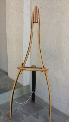 wine barrel easel Cabin Furniture, Furniture Projects, Wood Projects, Woodworking Projects, Design Projects, Wine Barrel Furniture, Barrel Projects, Art Easel, Bourbon Barrel
