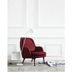 Fritz Hansen Fri™ Lounge Chair - Fri™ is an easy chair designed by Jaime Hayon. Fri™ is designed to create a cozy feel in any setting. Nordic Furniture, Danish Furniture, Scandinavian Furniture, Contemporary Furniture, Furniture Design, Contemporary Office, Fritz Hansen, Room Interior Design, Modern Carpet