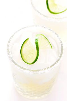 Learn how to make a margarita with this classic 3-ingredient margarita recipe! Plus, tips for how to make a margarita for an individual serving, or pitcher margaritas for a crowd! | gimmesomeoven.com #margarita #cocktail #drink #tequila #mexican #cincodemayo #tequillacocktails