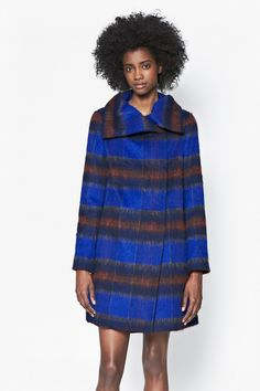 12 Gorgeous Coats To Make Your Cold-Day Commute A Little Brighter Fall Jackets, Fall Coats, Check Coat, Modern Outfits, Fancy Pants, Cold Day, Autumn Winter Fashion, Winter Style, Sweater Weather