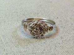 Lisa Yang's Jewelry Blog: Free Tutorial: Spiral or Rose Wire Wrapped Ring #wirewrappedringsshape