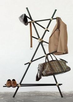 keeping-clothes-off-the-floor-coat-racks-and-stands-15-642x900.jpg (642×900)