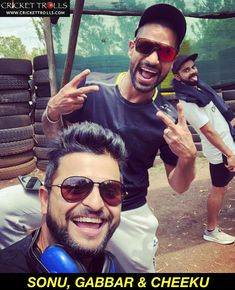 Suresh Raina clicks a picture with Shikhar Dhawan and photobomb Virat Kohli - facebook.com/MyCricketTrolls