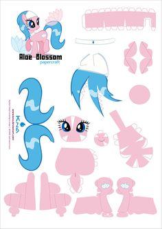 Aloe Blossom Spa Sister pcraft pattern by Kna on DeviantArt My Little Pony Craft, My Little Pony Party, Felt Crafts, Diy And Crafts, Paper Crafts, Little Poney, Royal Paper, My Little Pony Friendship, Paper Models