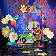 Our Ultimate Set the Stage Retro Party Kit will have you feeling groovy and your guest far out. 60s Party Themes, 70s Party Decorations, Holiday Party Themes, Party Ideas, 60s Theme, Theme Parties, Dance Decorations, Party Events, Theme Ideas