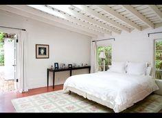 Marilyn Monroe's former bedroom! Fifth Helena dr., Brentwood.