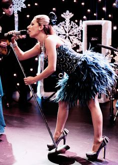 Locked out of heaven Vanessa lengies