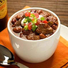 Recipe for Beef Steak Chili. Hearty, spicy chili made with tender steak. Who can resist? This recipe yields a gallon for the game-time gang. Steak Chili Recipe, Chili Recipes, Mexican Food Recipes, Soup Recipes, Cooking Recipes, Healthy Recipes, Oven Cooking, Healthy Options, Recipies