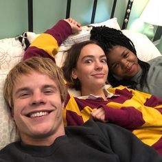 Netflix Series, Series Movies, Tv Series, Photo Series, Casey Atypical, Brigette Lundy Paine, Casting Pics, Film Serie, Movies Showing