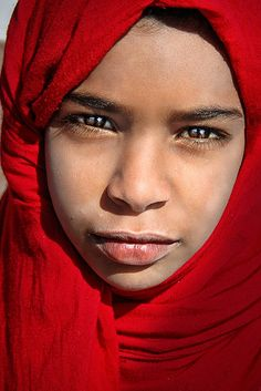 Dahab, Egypt, bead seller - photographer David Lazar