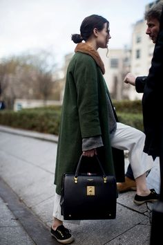 green coat+short fur (love colour)+white trouser