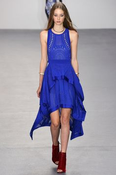 Issa Spring 2016 Ready-to-Wear Collection - Vogue Fashion Colours, Blue Fashion, Fashion Week, Runway Fashion, High Fashion, Fashion Show, Fashion Tips, Fashion Design, London Fashion