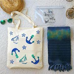 Deniz Konseptli Plaj Seti - Ebat: Plaj Çantası 37x45 cm Peştemal 80x150 cm Bikini Çantası 20x30 cm Renk: Plaj Çantası Keten Krem&Baskılı Peştemal Gri&Yeşil Batik