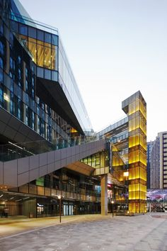 Gallery of Fuzhou Wusibei Thaihot Plaza / Spark Architects - 15 Retail Architecture, Facade Architecture, Amazing Architecture, Mall Facade, Retail Facade, Plaza Design, Mall Design, Commercial Complex, Commercial Street