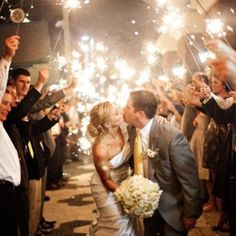 10 unique ways to engage and entertain your guests on the big day. Photo via Life Writing Photography.