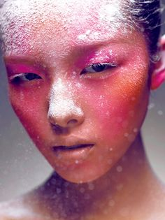 Love Chen Man's play with makeup in her photography~ Sun Fei Fei looks gorgeous!
