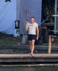 James Bond exclusive photos - Daniel Craig on Caribbean set returning as 007 for fifth time James Bond 25, Billy Magnussen, Daniel Graig, Jeffrey Wright, Daniel Craig James Bond, Best Bond, Ralph Fiennes, Floating In Water, Kingsman