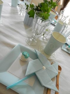 celle qui jouait à la dînette. Paper Napkin Folding, Paper Napkins, Folding Napkins, Graduation Decorations, Table Decorations, Birthday Themes For Boys, Baby Party, Pinwheels, Christening