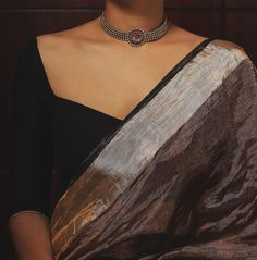 Looking for best brand to shop pure silver necklace set online now? Kerala Saree Blouse Designs, Saree Blouse Neck Designs, Fancy Blouse Designs, Saree Jewellery, Silver Jewellery, Vintage Jewellery, Stylish Blouse Design, Saree Trends, Stylish Sarees